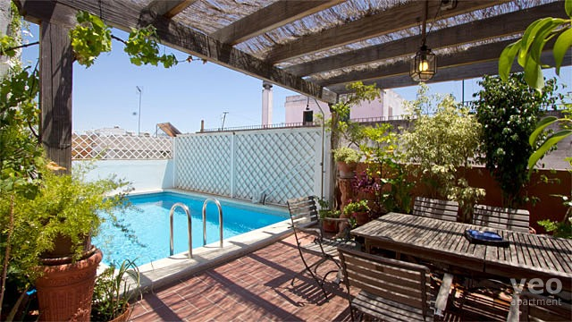 Terrace Pools rooftop swimming pools in seville holiday apartments | veoapartment