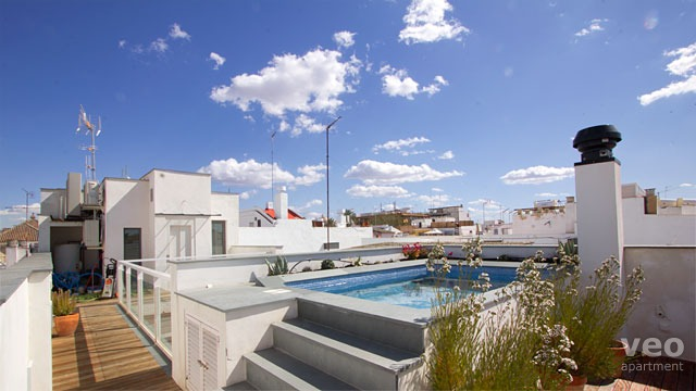 rooftop swimming pools in seville holiday apartments veoapartment. Black Bedroom Furniture Sets. Home Design Ideas