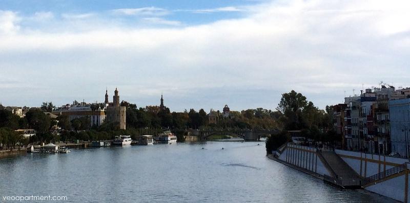 torre oro from bridge