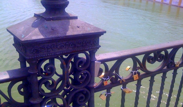 lovers locks-001