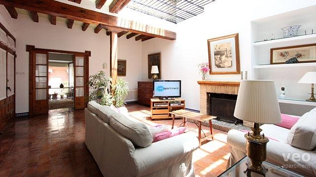 0658_monsalves-apartment-seville-01