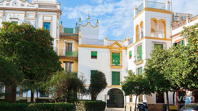 Rent vacation apartment in Seville Santa Cruz Square Seville