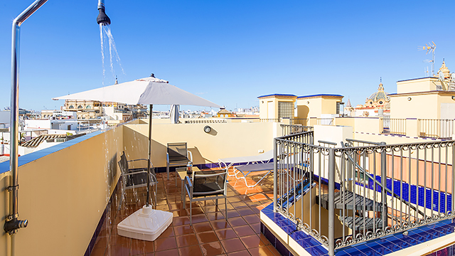 Rent vacation apartment in Seville Pajaritos Street Seville