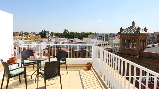 Rent vacation apartment in Seville Adolfo Rodríguez Jurado Street Seville