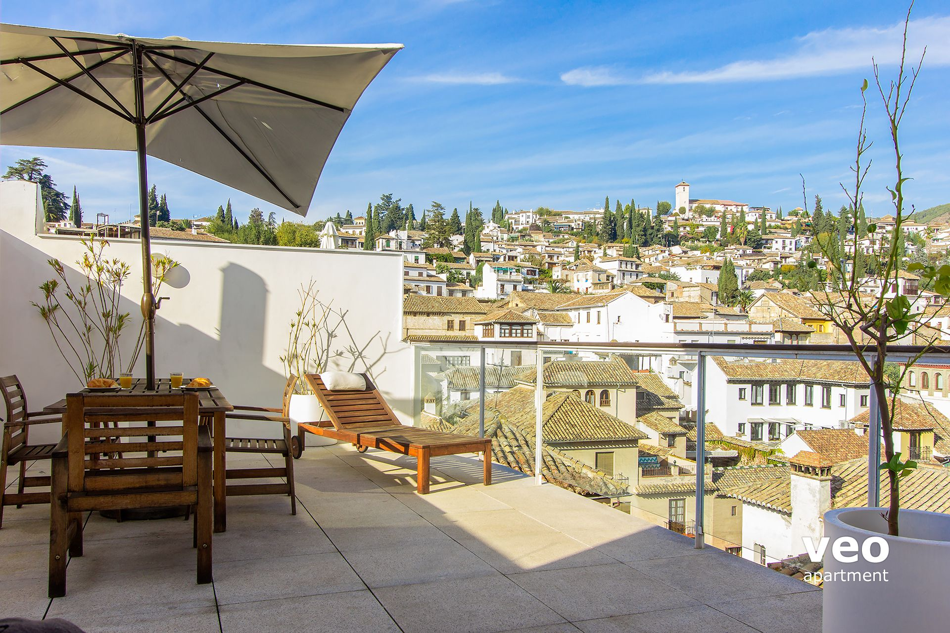 Granada Apartment   The Terrace Is Well Equipped With Garden Furniture  Including A Parasol.