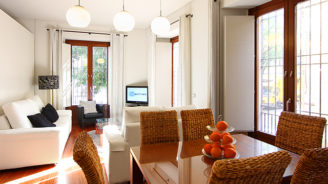 Rent vacation apartment in Seville De los Terceros Square Seville