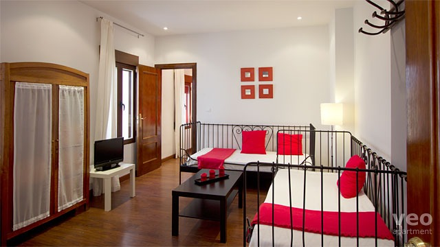 Rent vacation apartment in Granada Horno de Oro Street Granada