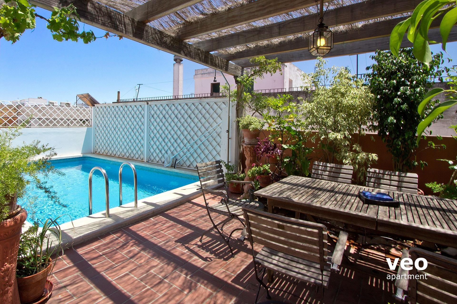 Sevilla apartmento calle pedro miguel sevilla espa a for Fotos de patios con piletas