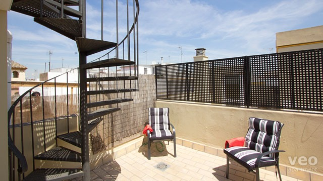Rent vacation apartment in Seville Manuel Font de Anta Street Seville
