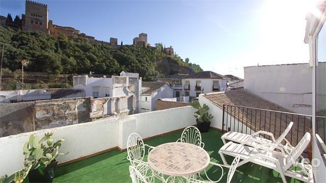 Granada apartment horno de oro street granada spain casa de oro terrace furnished apartment - Casa horno de oro ...