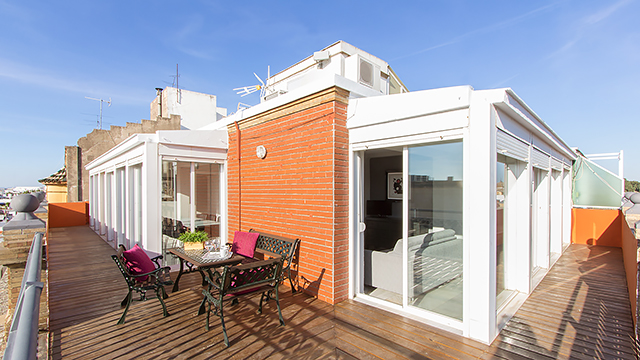 Rent vacation apartment in Seville Adolfo Rodriguez Jurado Street Seville