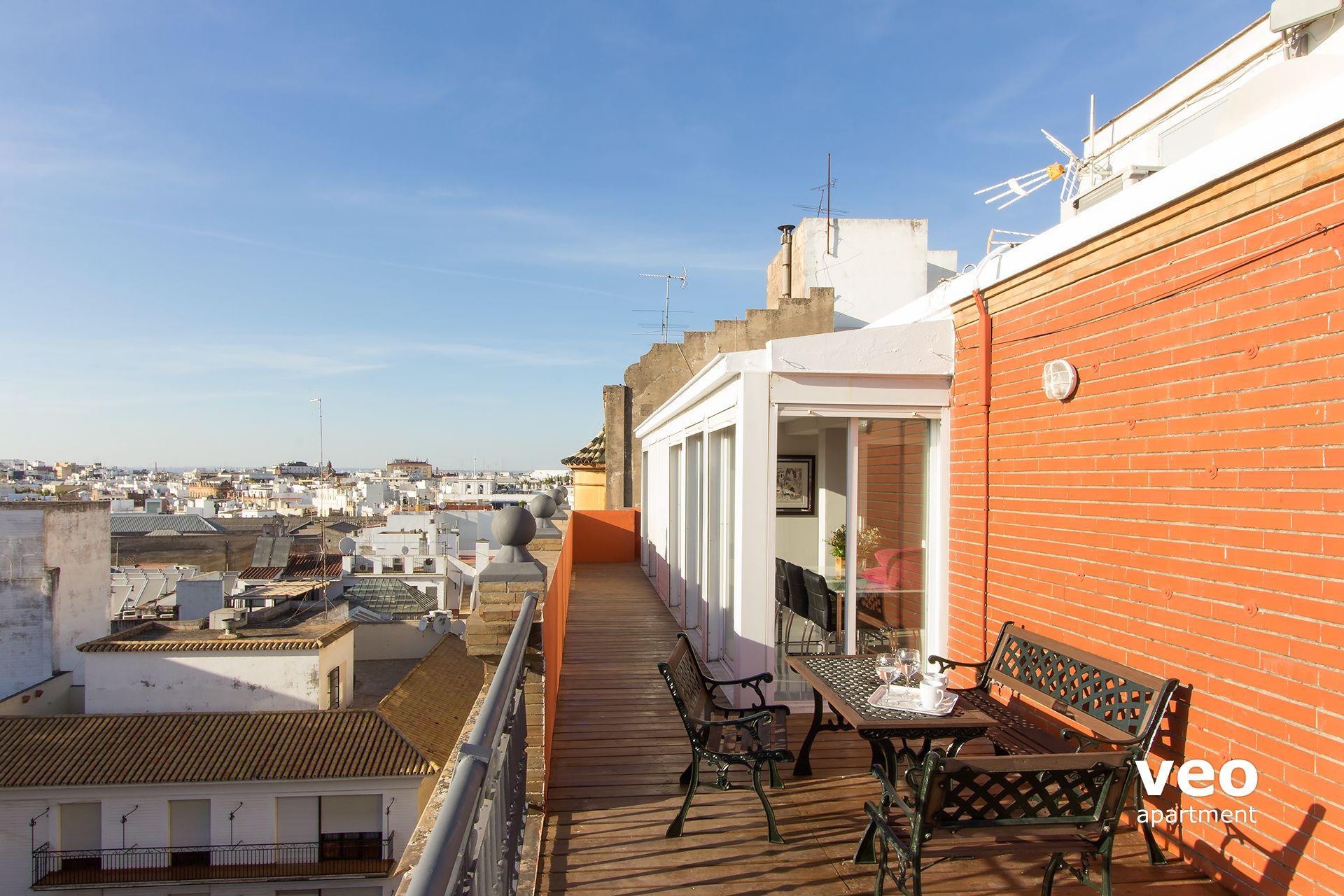 Sevilla apartmento calle adolfo rodriguez jurado sevilla for Alquiler apartamentos sevilla espana