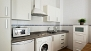 Sevilla Apartamento - Kitchen equipped with utensils and appliances - washing machine included.