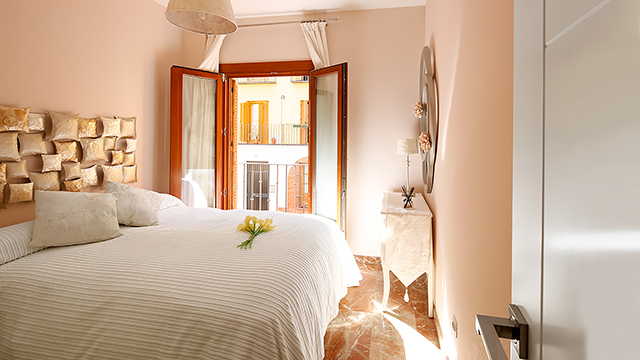 Rent vacation apartment in Seville Ximenez de Enciso Street Seville
