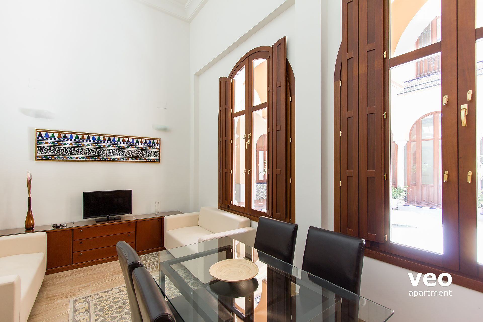 Seville Apartment This Elegant 3 Bedroom Duplex Can Accommodate Up To 5 Guests