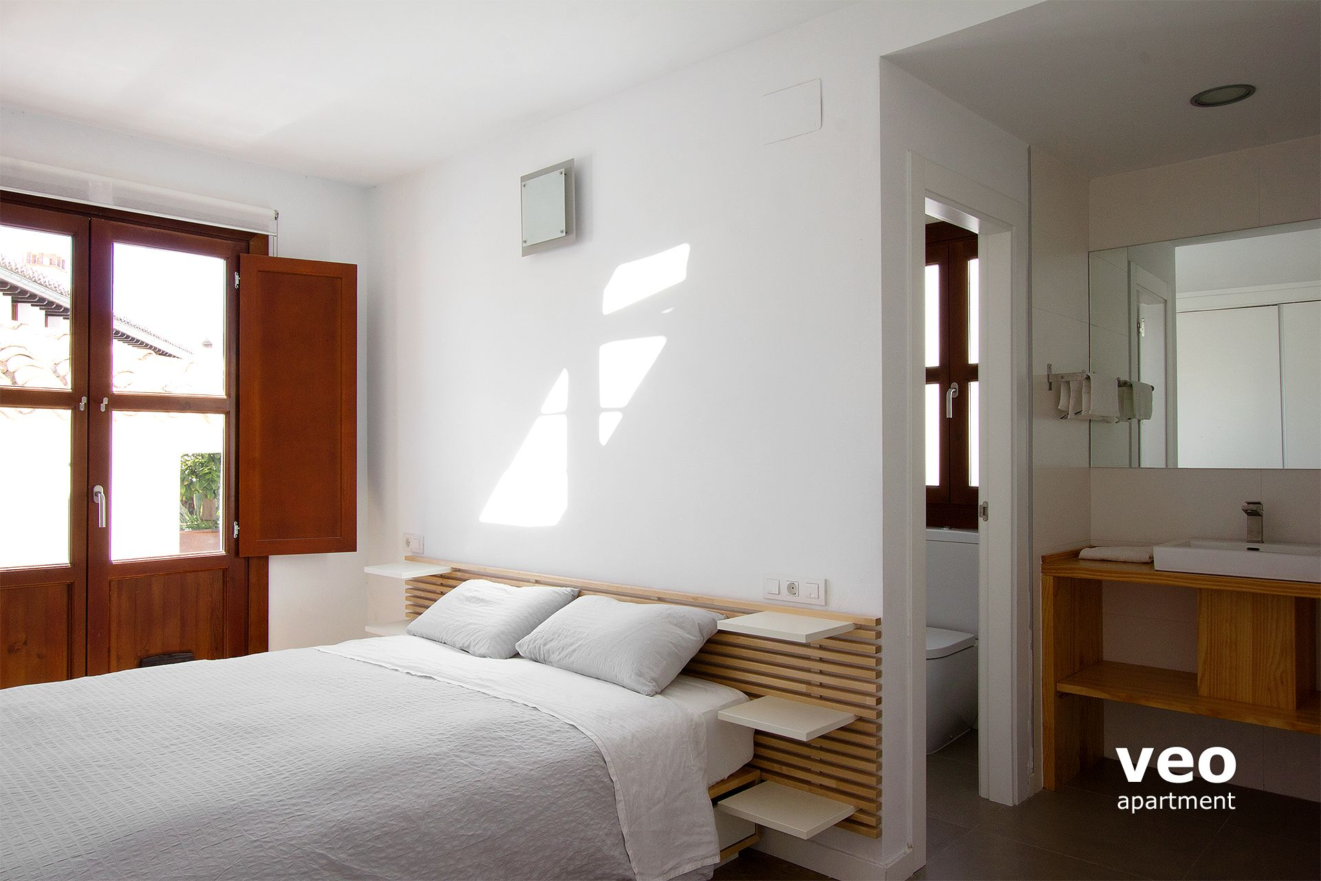 master the apartments suite apartment jos jose street en alta has san bedroom terrace bathroom veo granada an spain