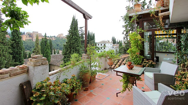 Granada apartment boli street granada spain alhambra for Terrace plants