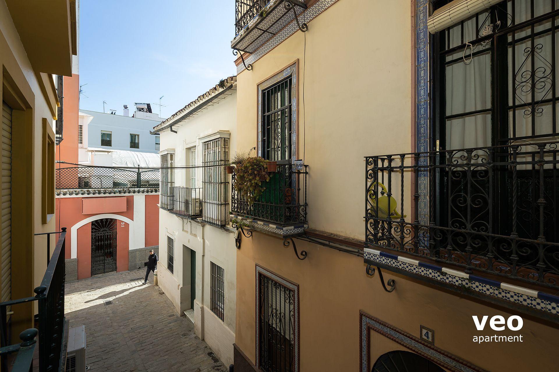 Seville Apartment Adolfo Cu U00e9llar Street Seville Spain