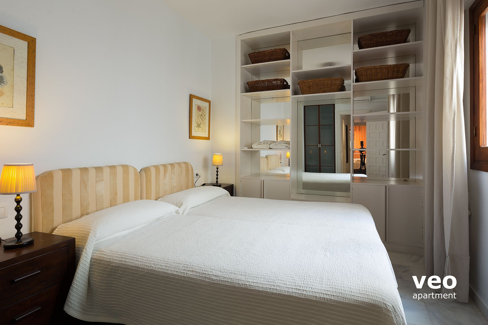Bedroom For Two Twin Beds Seville Apartment Adolfo Cuacllar Street Seville Spain Rositas