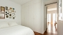 Sevilla Apartamento - There is a large wardrobe to store your belongings.