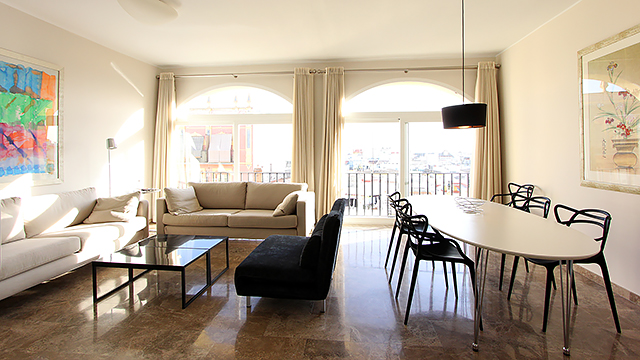 Rent vacation apartment in Seville Pastor y Landero Street Seville
