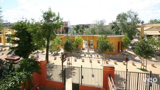 Sevilla apartmento plaza alameda de h rcules sevilla for Alquiler jardines de hercules