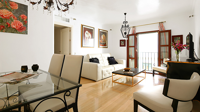 Rent vacation apartment in Seville Arrayán Street Seville