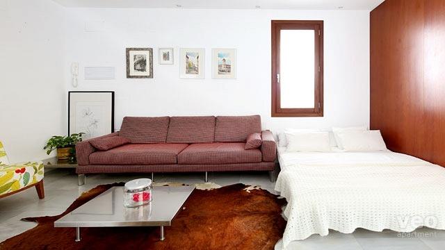 https://imgredirect.milanuncios.com/fg/1385/96/sillas-sofas-y-sillones/Sofas-Baratos-y-Comodos-138596472_2.jpg