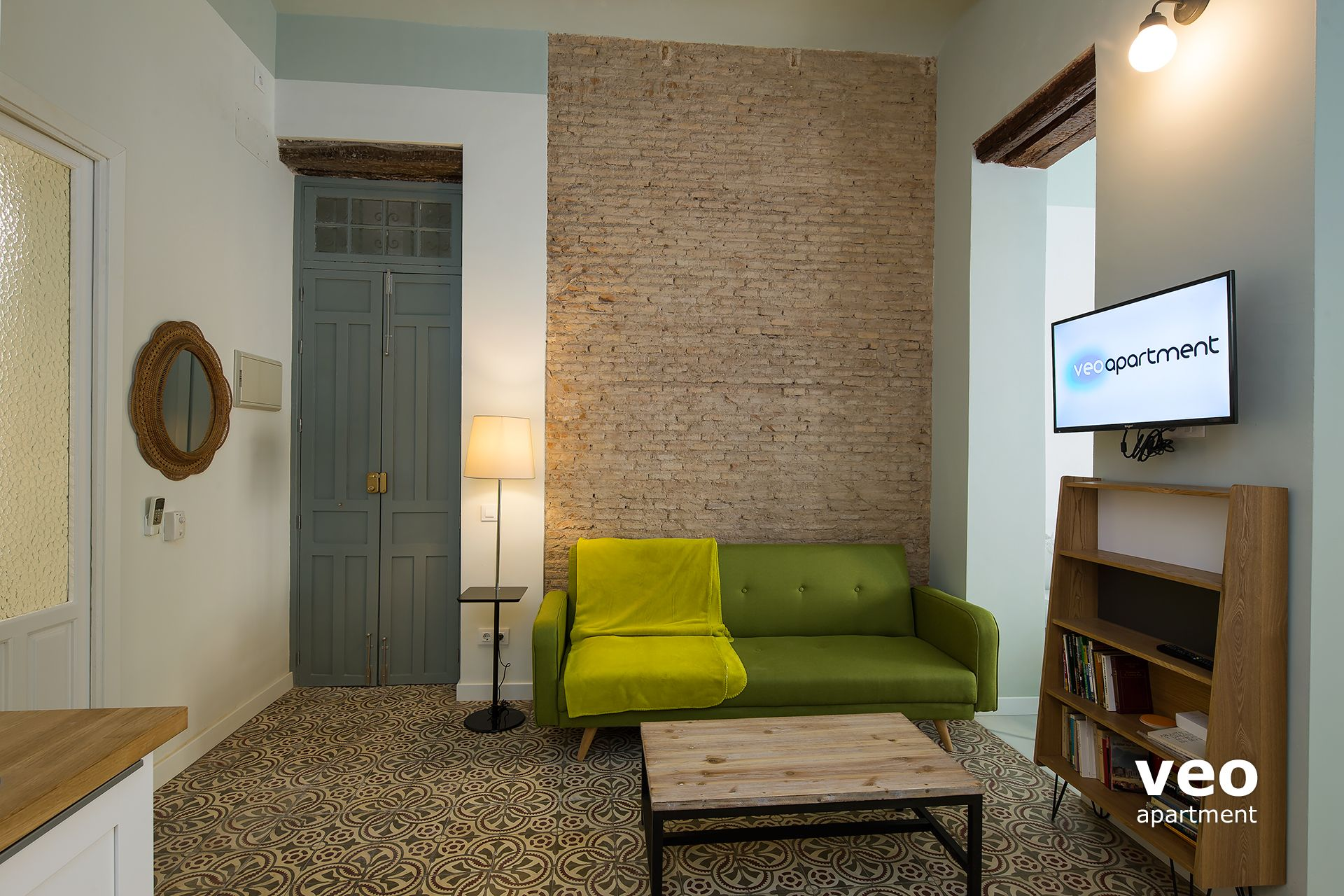 ... Sevilla Ferienwohnung   Living Area With Sofa, Coffee Table And TV.