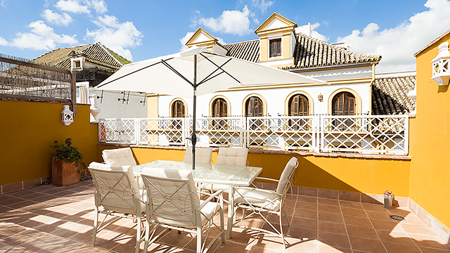 Rent vacation apartment in Seville Jesús del Gran Poder Street Seville