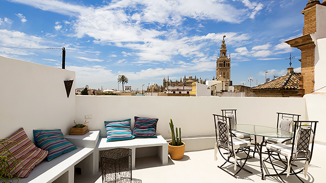 Rent vacation apartment in Seville Pasaje de Vila Street Seville