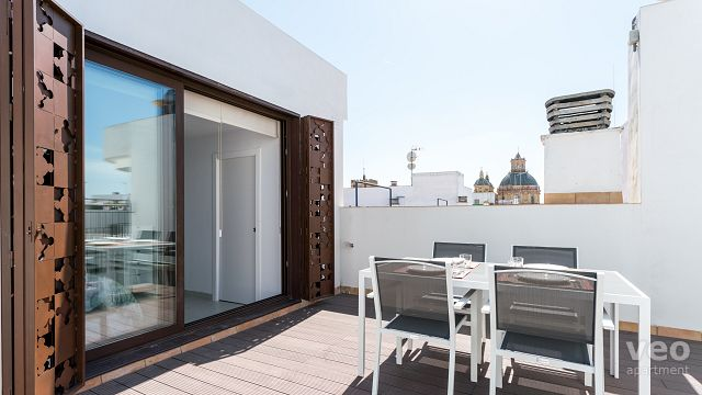 Rent vacation apartment in Seville San Luis Street Seville