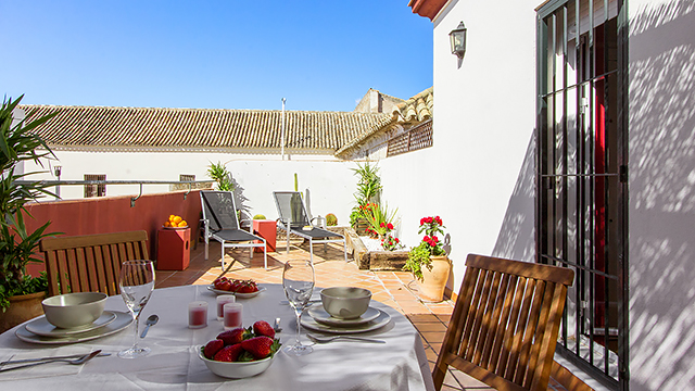 Rent vacation apartment in Seville Hombre de Piedra Street Seville